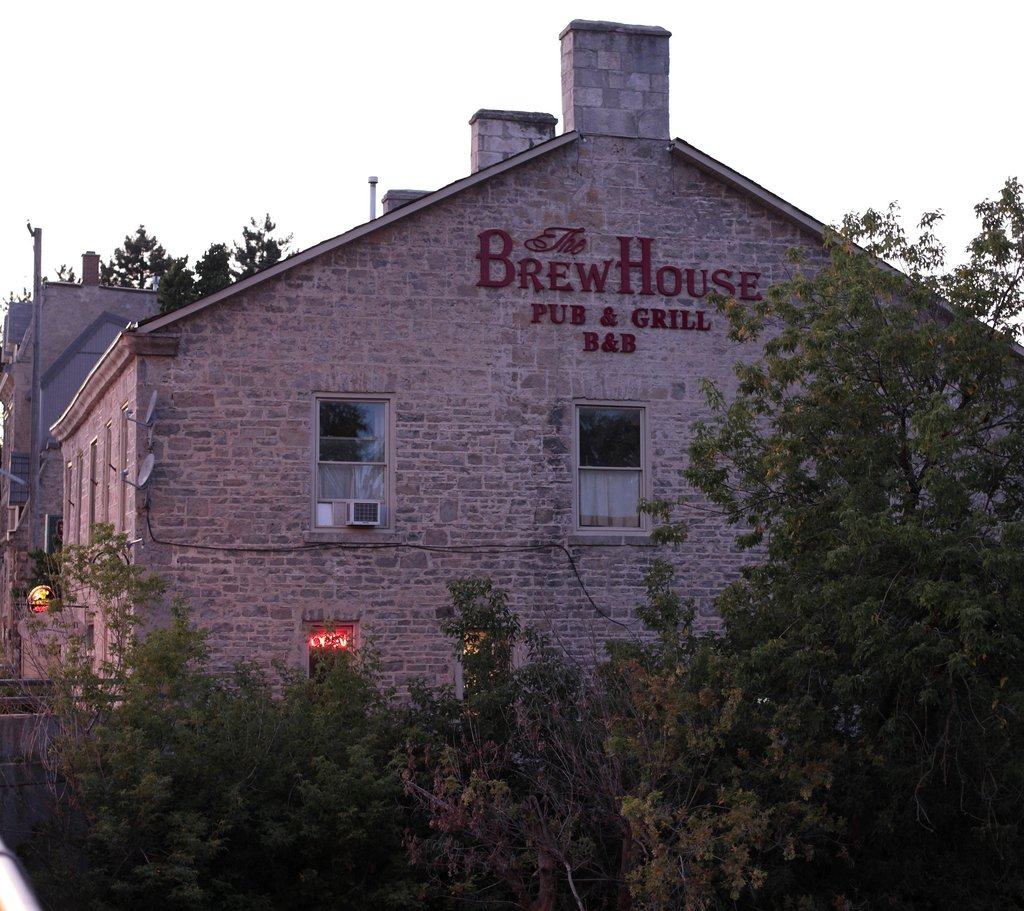 Brew House On The Grand B&B
