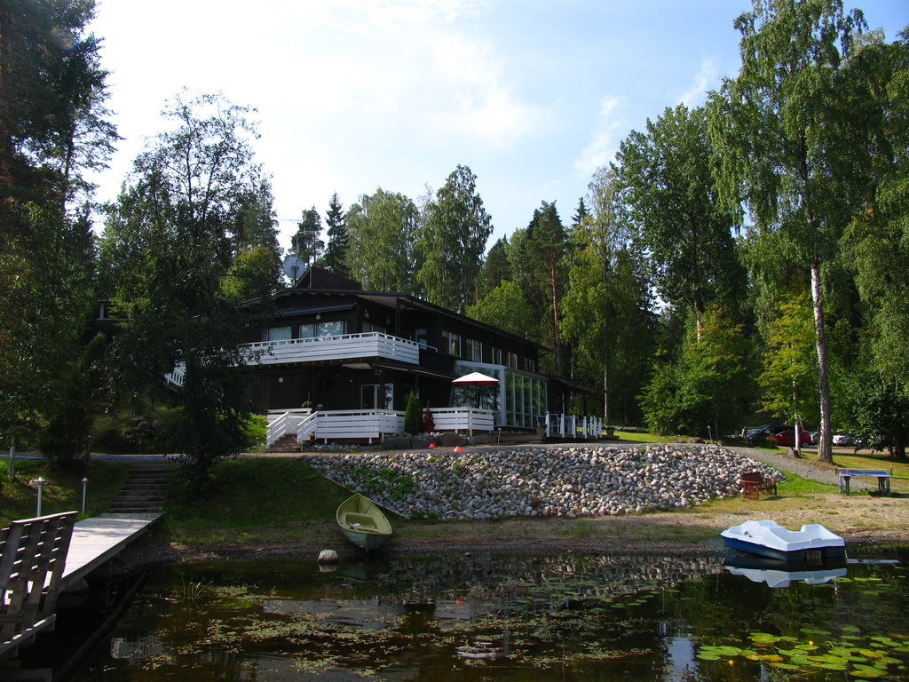 Lehmonkarki Resort