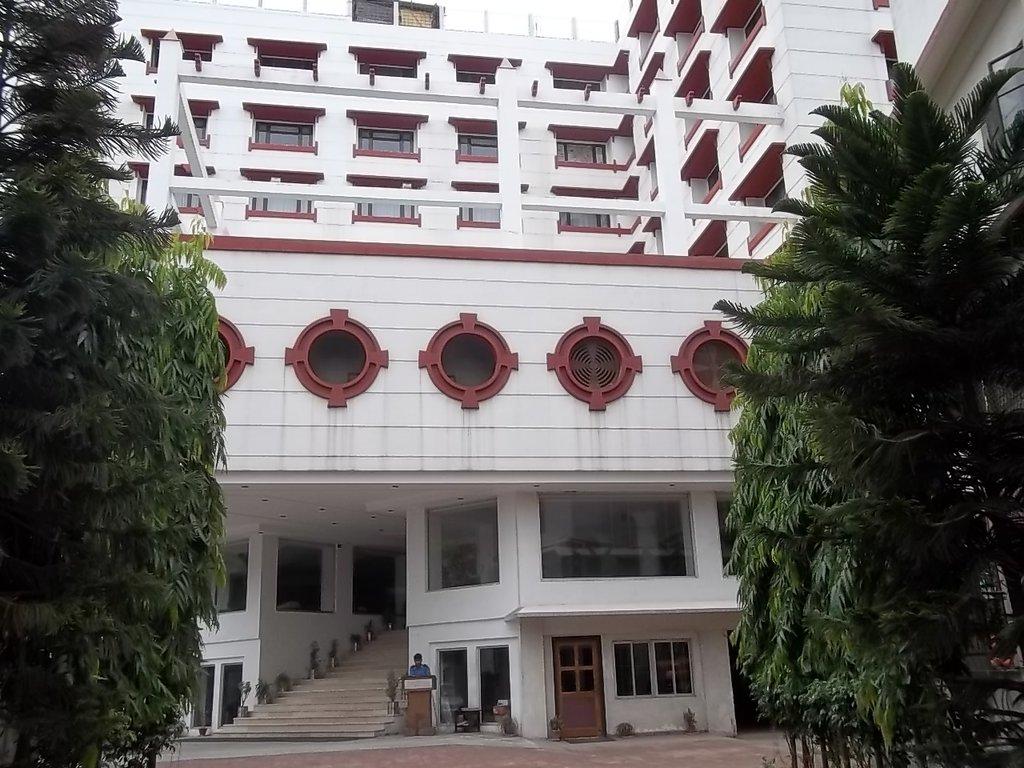 Hotel Grand Starline