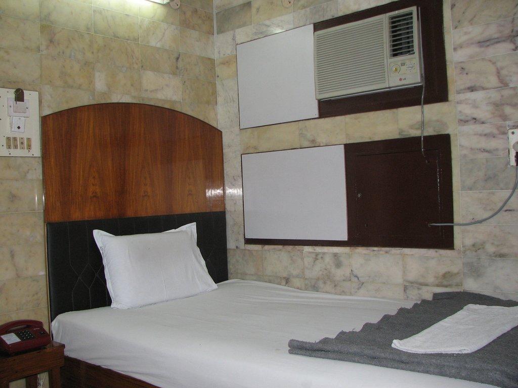 Hari Pauan Hotel