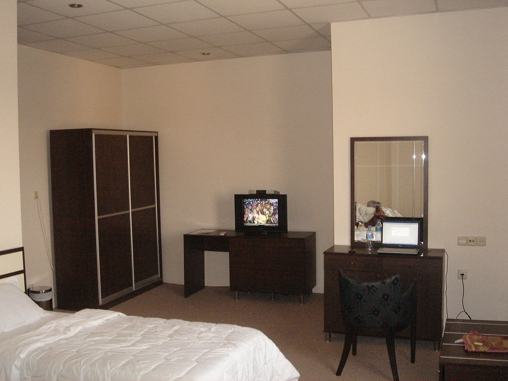 SunHills Hotel