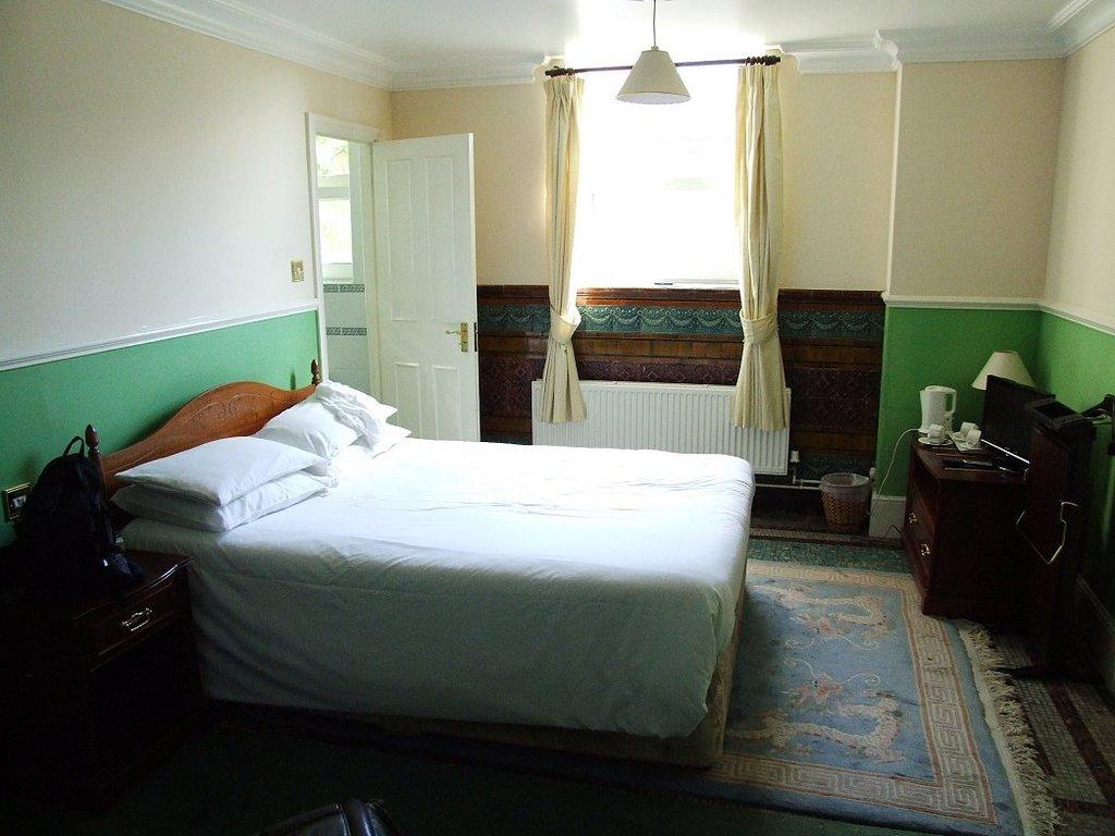 햄프턴 코트 팰리스 호텔