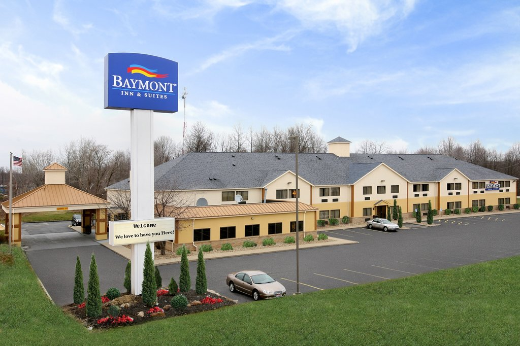 ‪Baymont Inn & Suites Hudson/Boston Heights‬