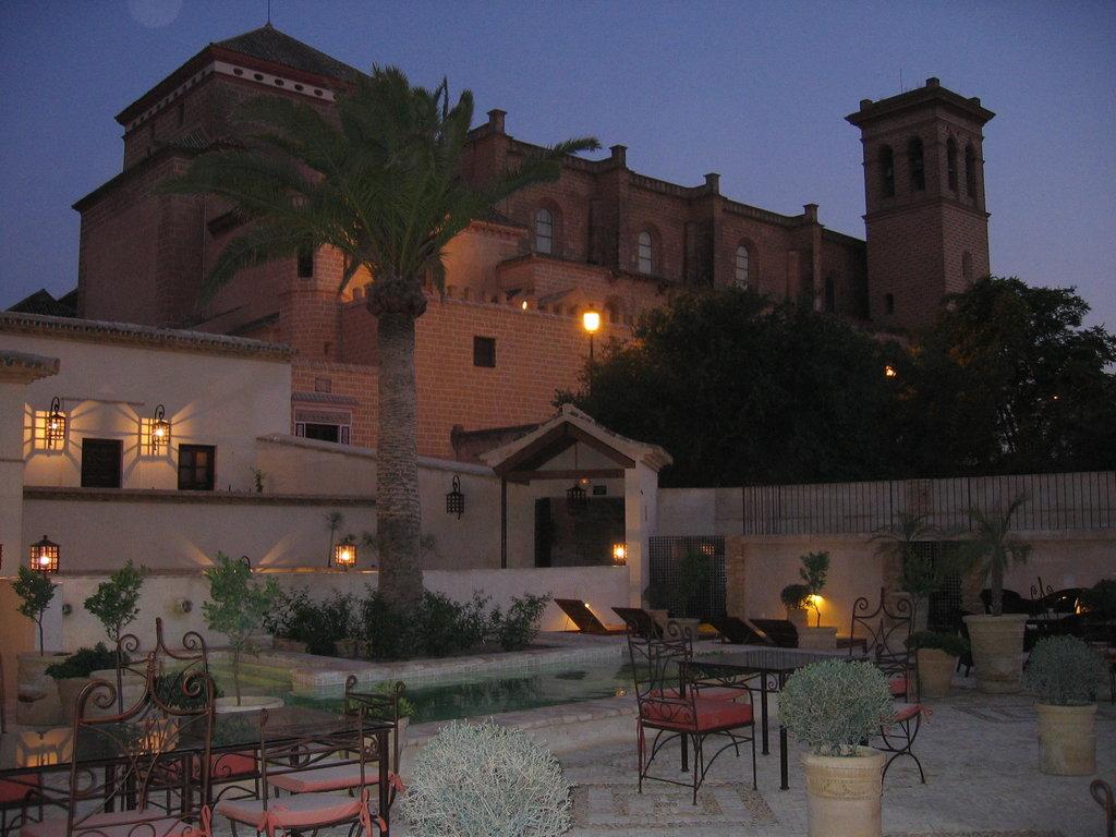 オスペデリア デル モナステリオ ホテル