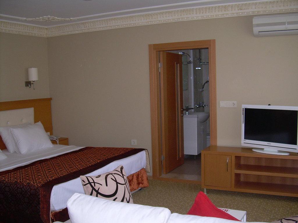 Taya Hatun Hotel