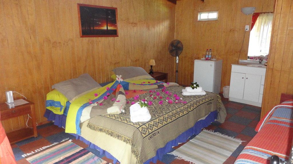 Kaimana Inn Hotel & Restaurant