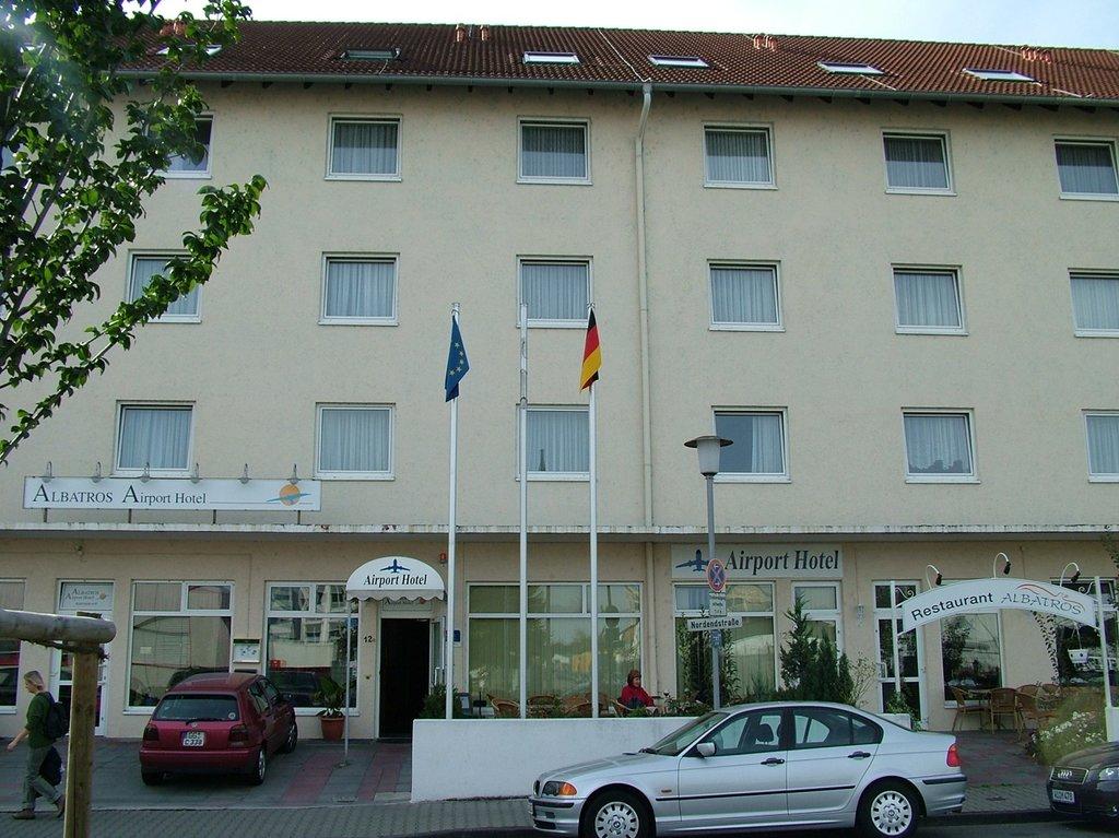 Albatros Airport Hotel