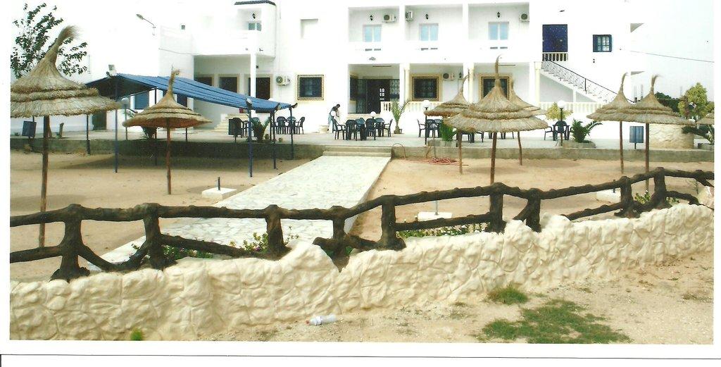 EL KAHENA: Residence et camping