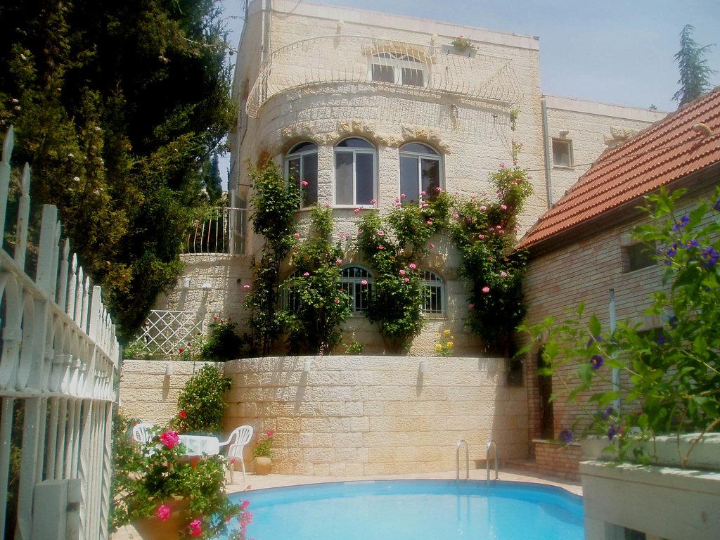 Rose of Castel Residence
