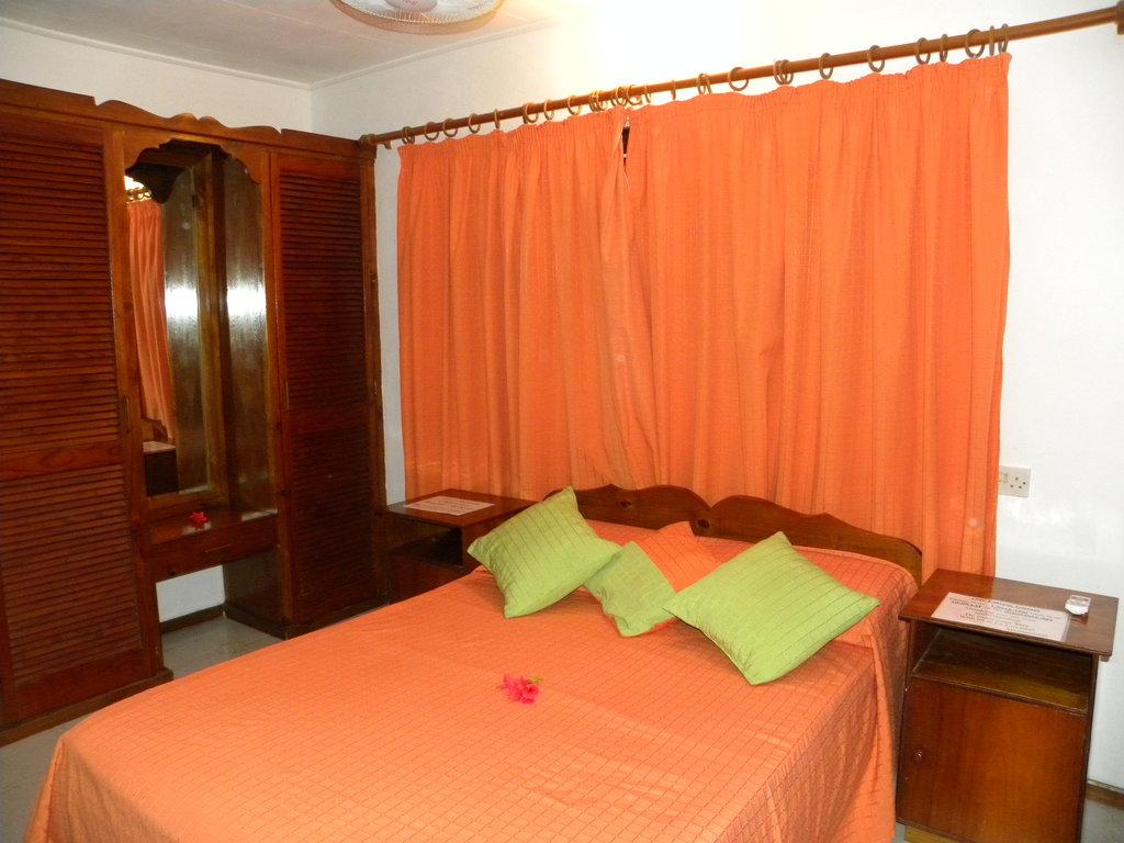 La Cuvette Hotel