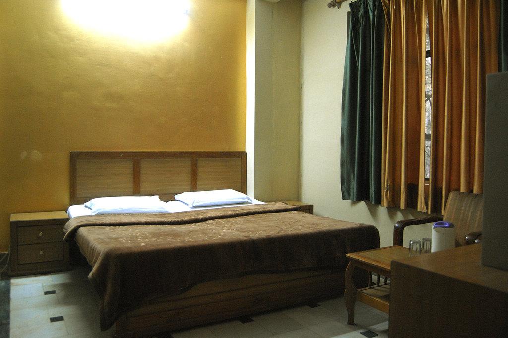 Hotel Chitra Residency