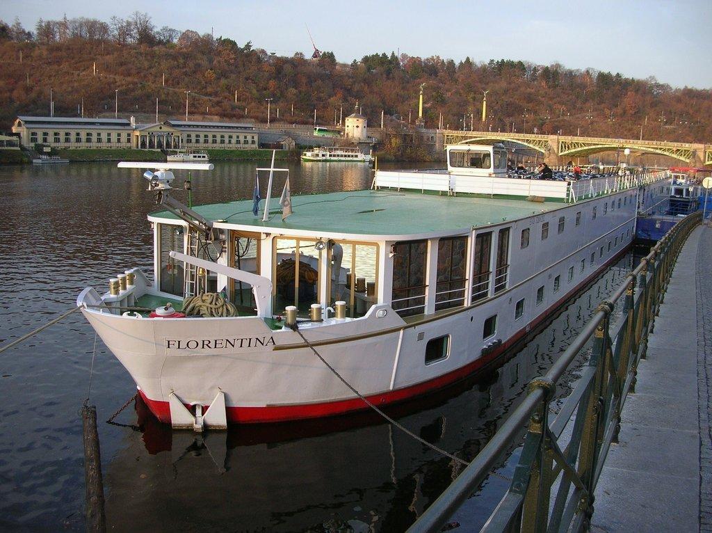 Florentina Boat