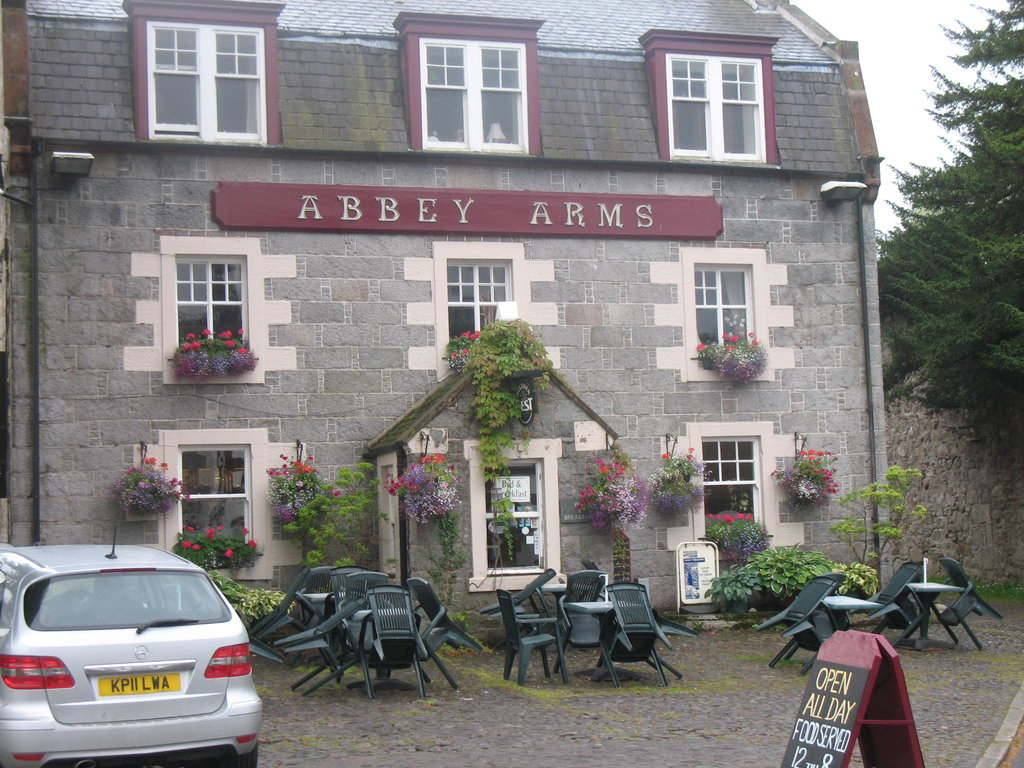 ‪Abbey Arms Hotel‬