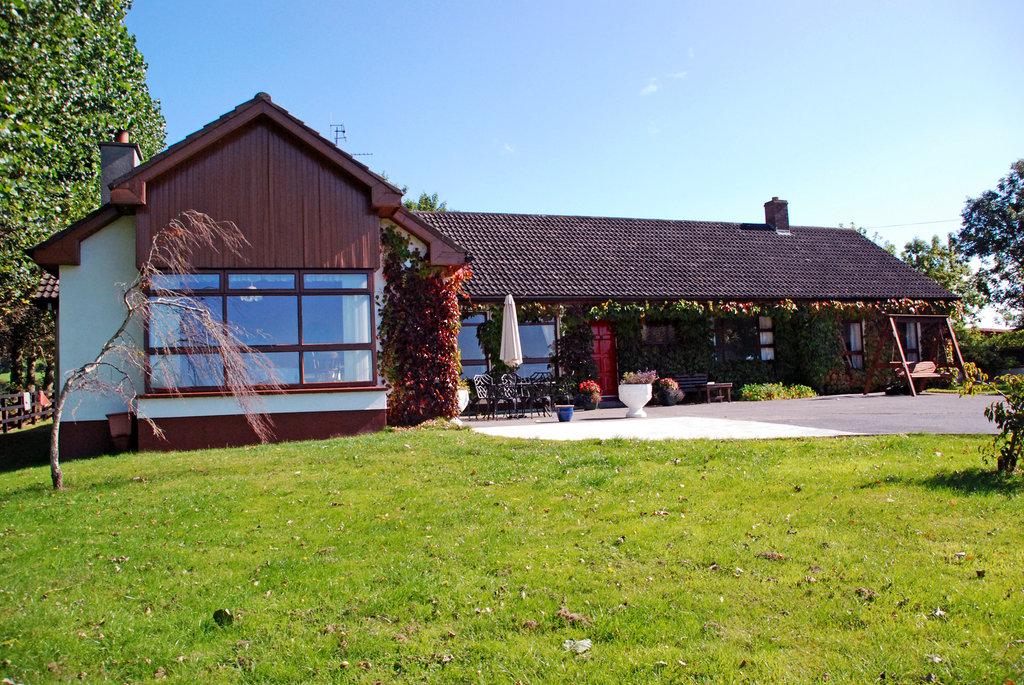 Bungalow Farmhouse B & B