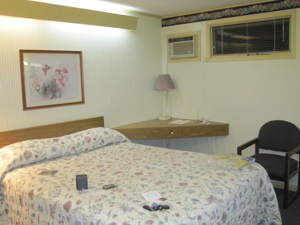 Randolph Inn & Suites