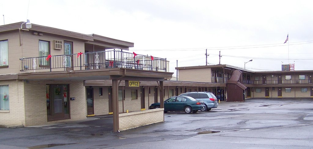 ‪DuBois Manor Motel‬