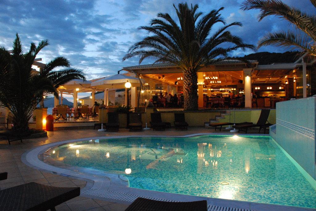 Sea Breeze Family Beach Hotel