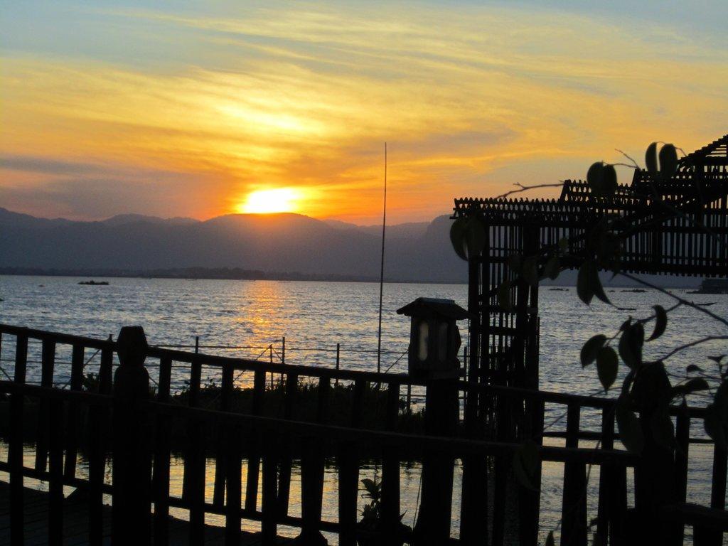 Sky Lake Resort Inle
