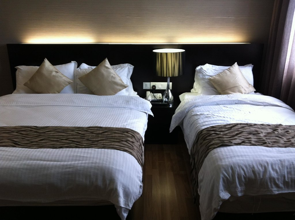 โรงแรมอีเลฟเว่น แอท เซ็นจูรี่