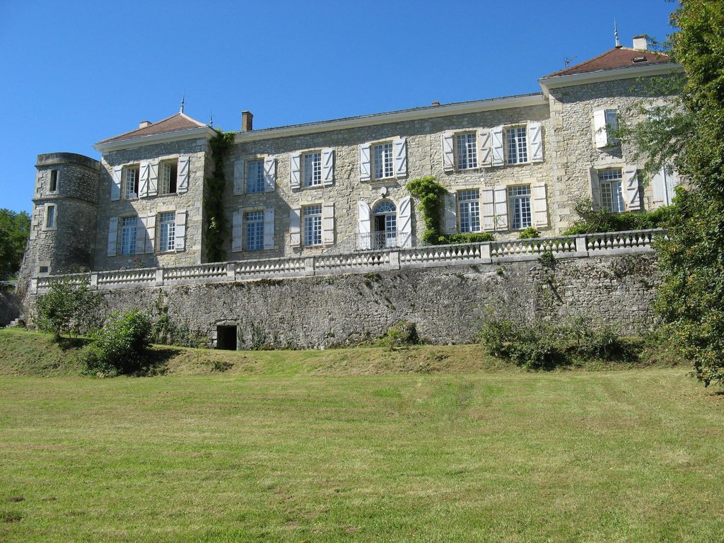 Chateau L'Age Baston