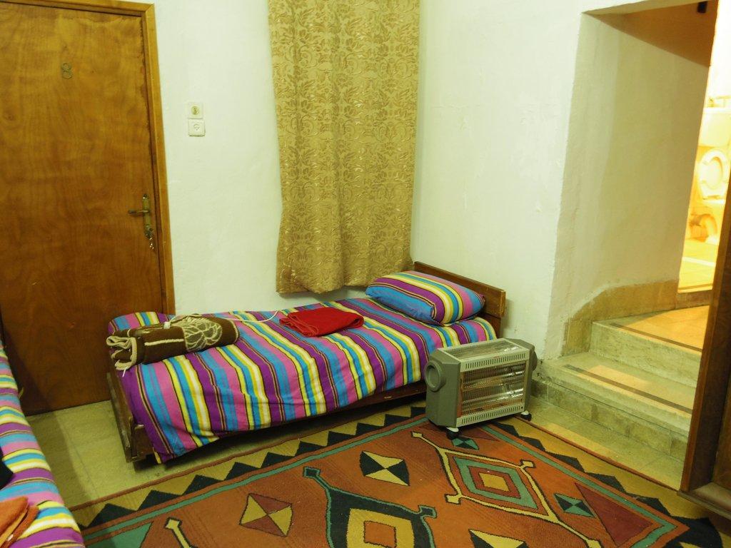 アブ シード ホステル
