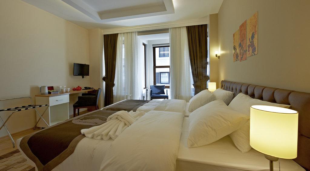 Taksim Plussuite Hotel