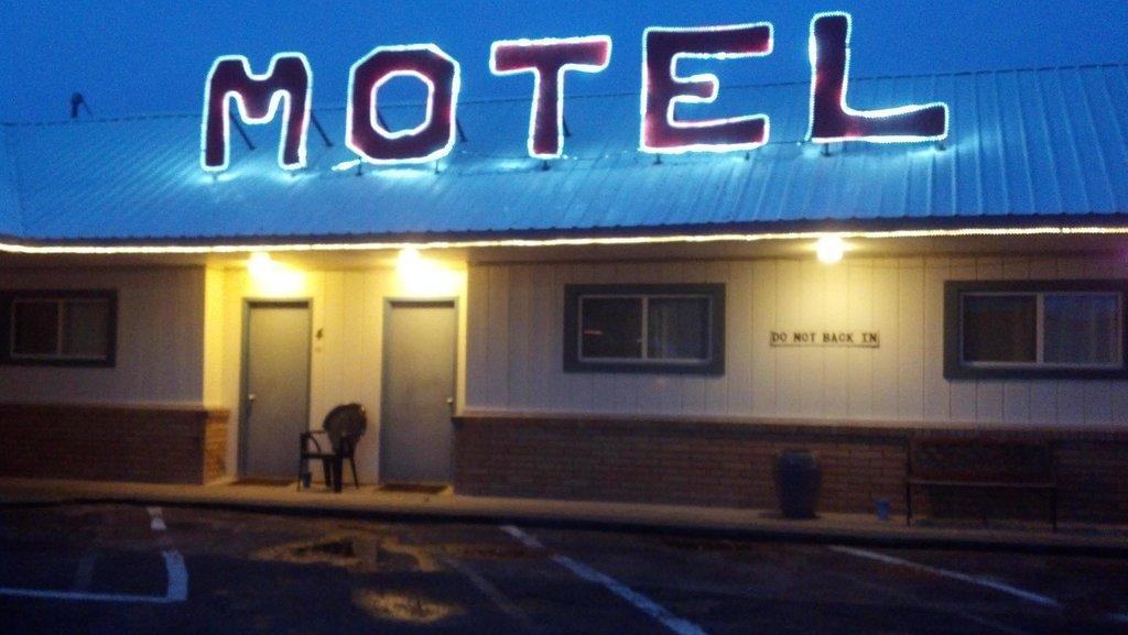 Sprague Motel