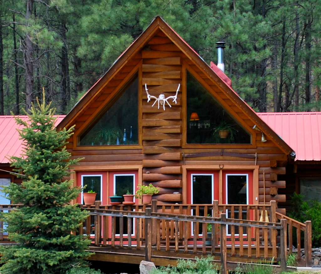 ‪Elk Mountain Lodge‬