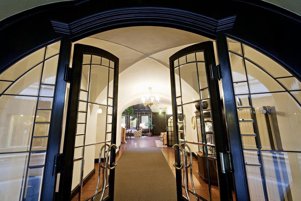 ホテル ケーニヒ フォン ウンガルン