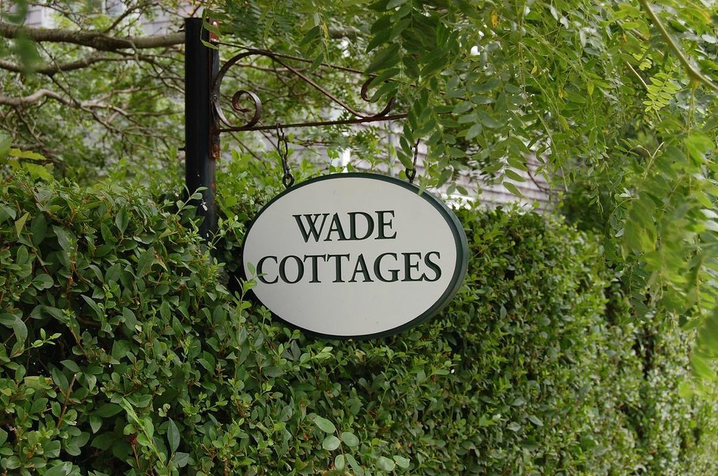 ‪Wade Cottages‬