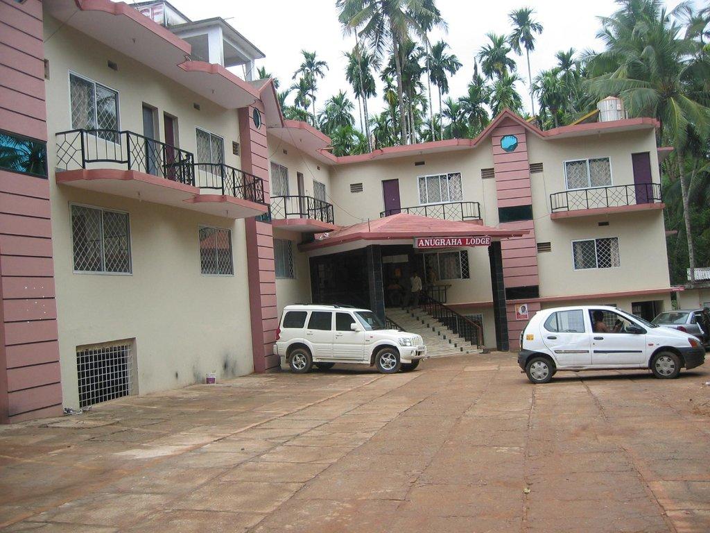 Hotel Anugraha Lodge