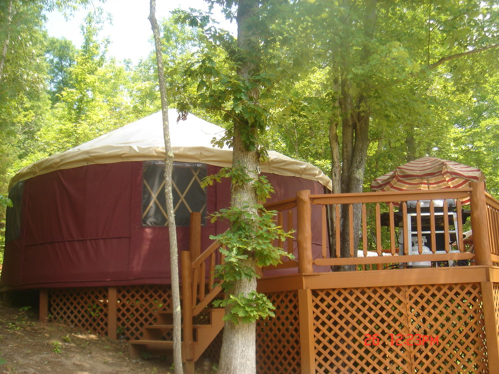‪Blanche Manor Yurts‬