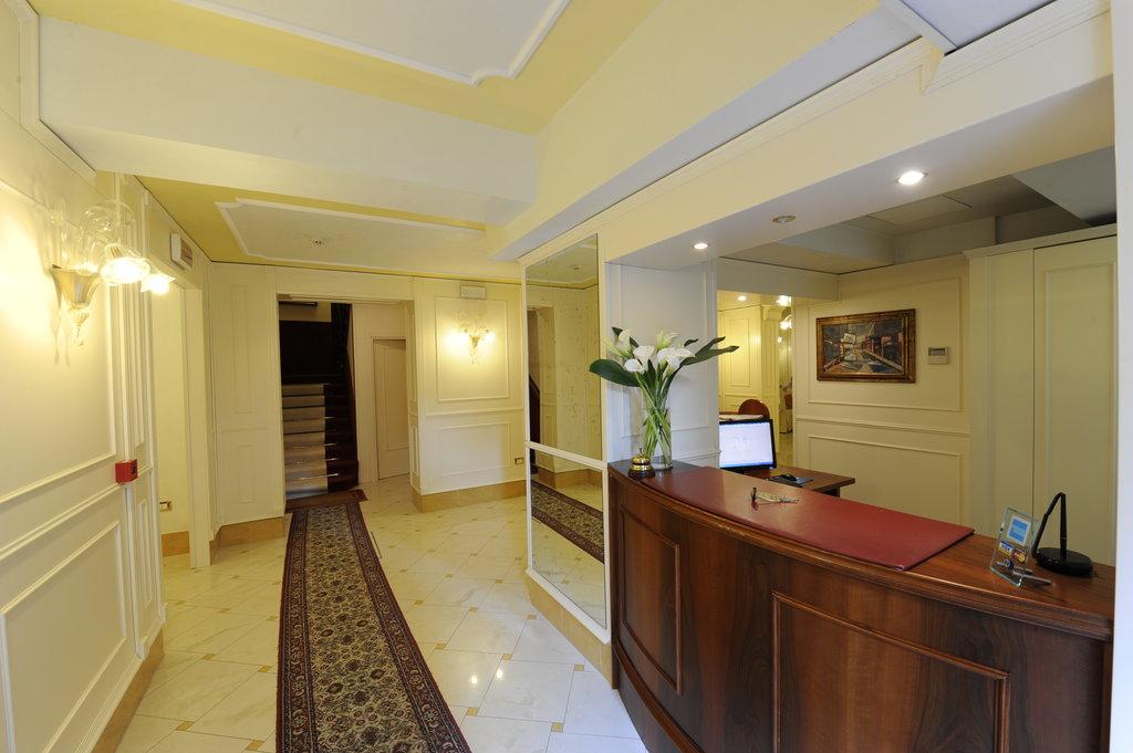 호텔 빌라 로사