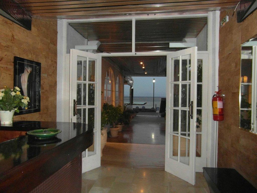 Hotel Loutrouvia