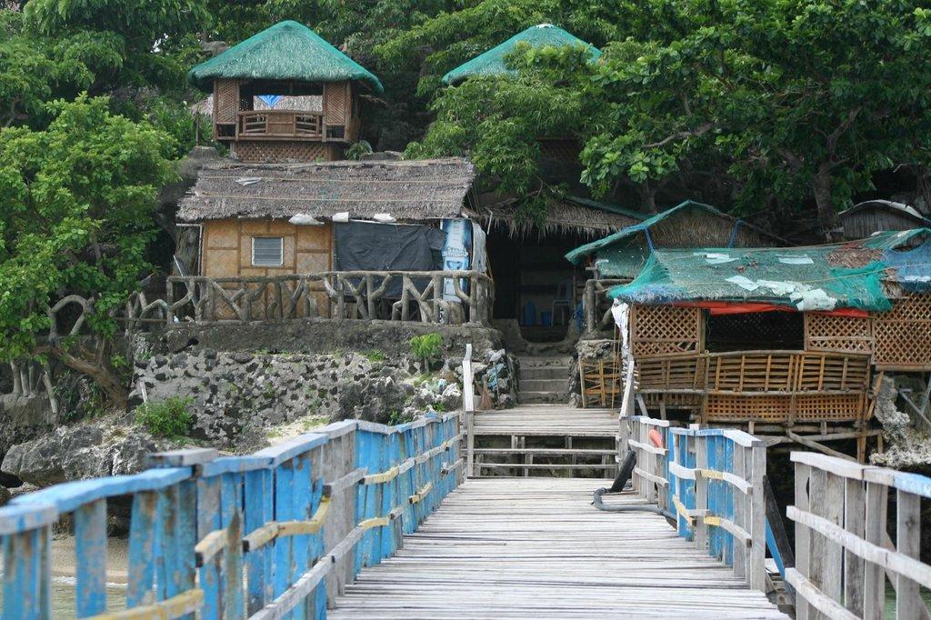 Hundred Islands Resort Hotel