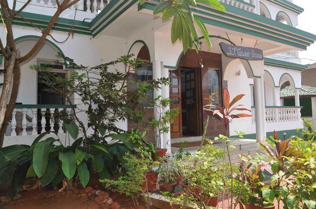 JJ's Guesthouse
