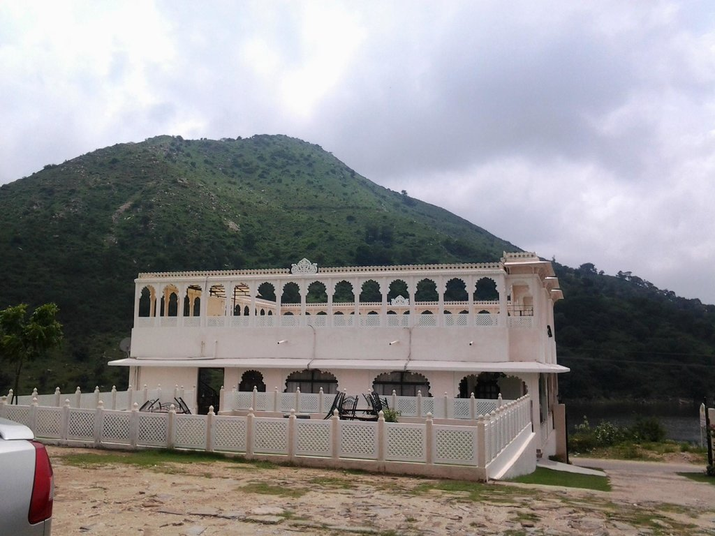 Devi Palace Heritage Resort