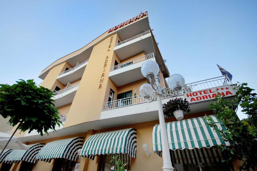 호텔 아드리아나