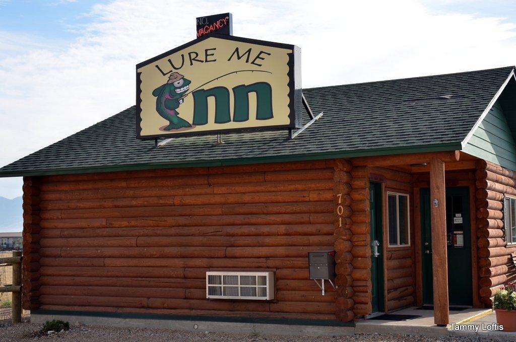 Lure Me Inn