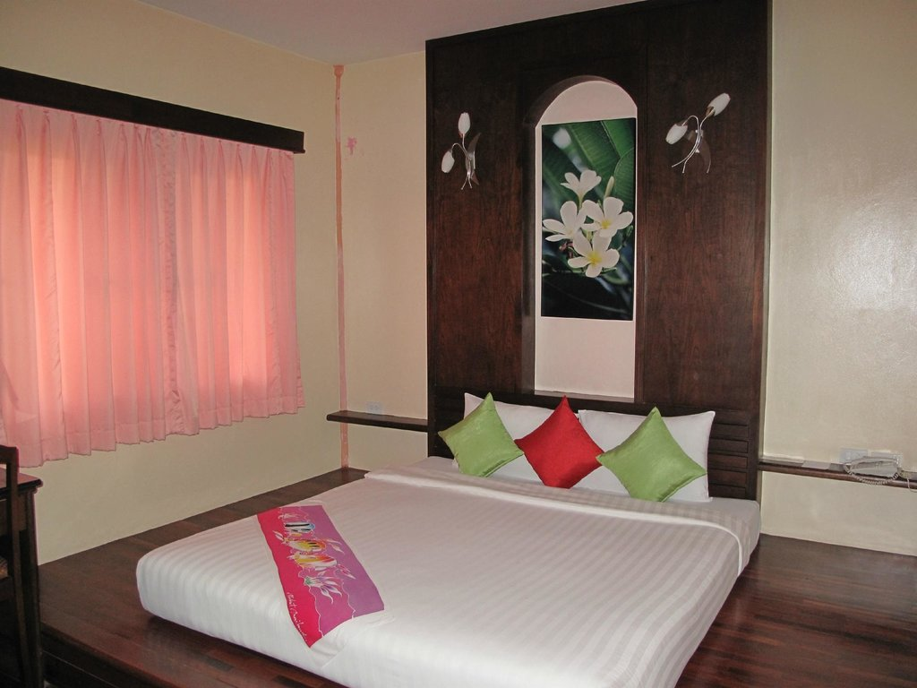 Ao Chalong Villa & Spa