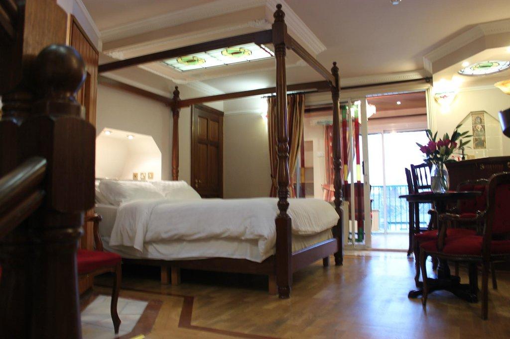 Roxford Lodge Hotel