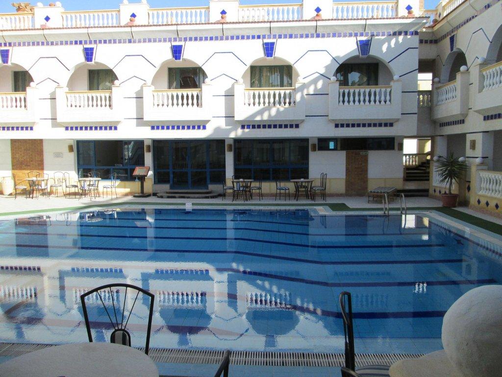 La Reine Hotel and Dive Resort
