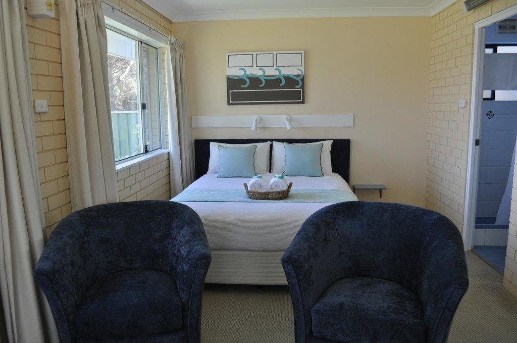 Edgewater Motel