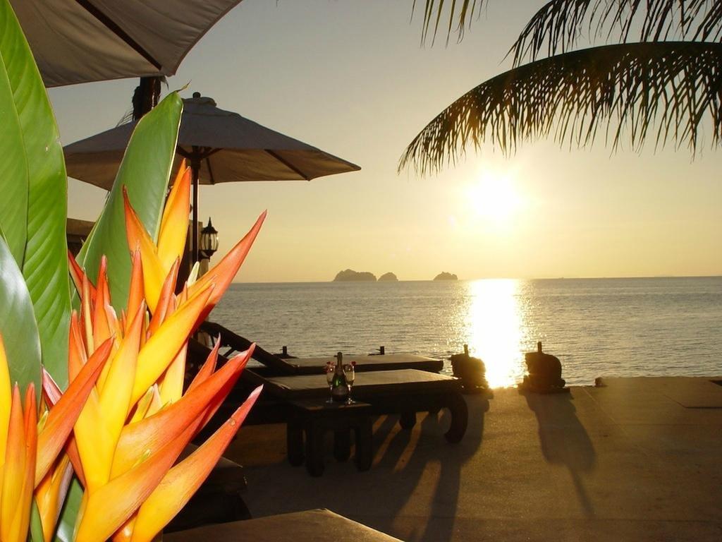 Sibaja Palms Sunset Beach Resort