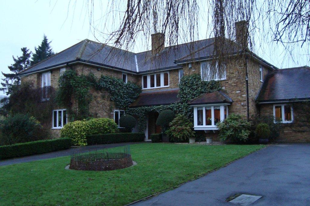 Spinney House