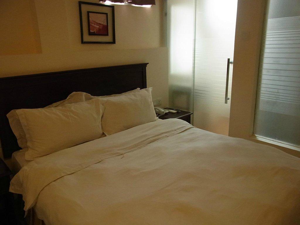 DeGalleria Hotel