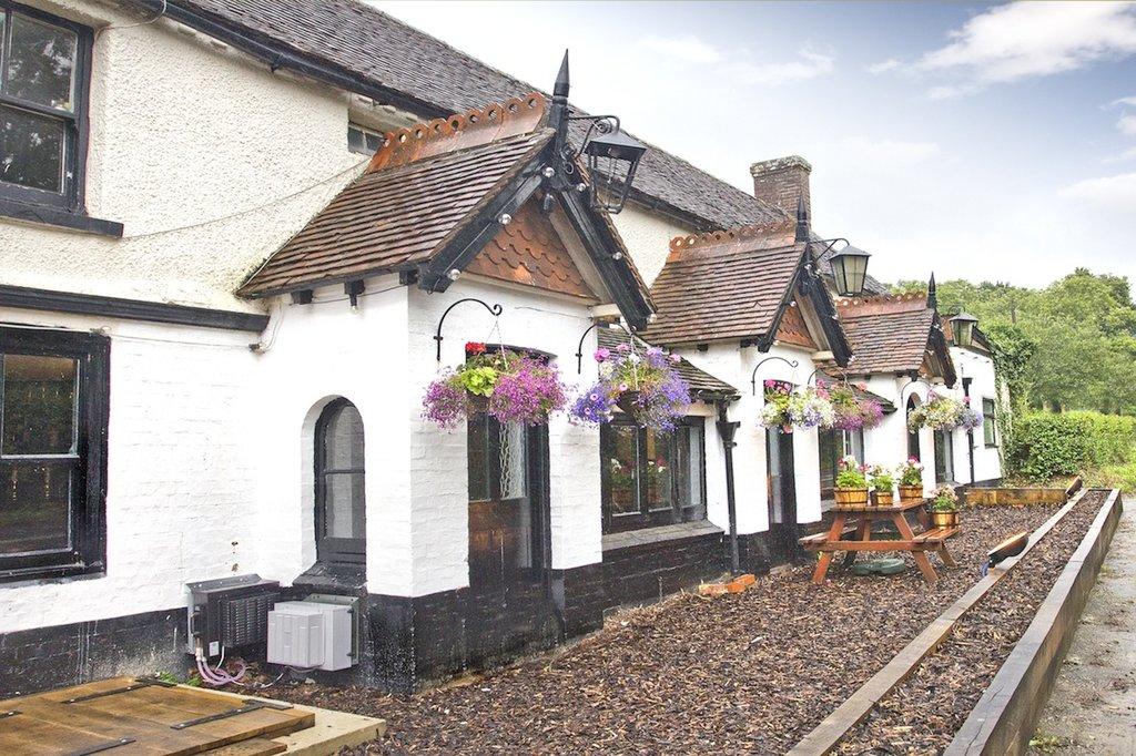 May Garland Inn