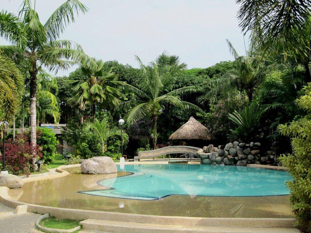 Melania's Garden Resort