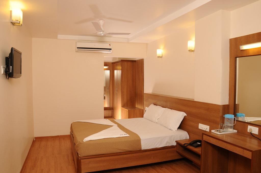Hotel SPR Inn