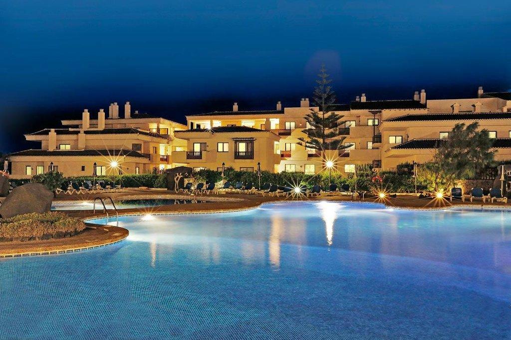 โรงแรมอาปาร์โตเตล โอตาซ่า กอสต้า ซาลินาส